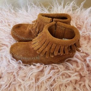 Minnetonka Suede Infant Leather Moccasin